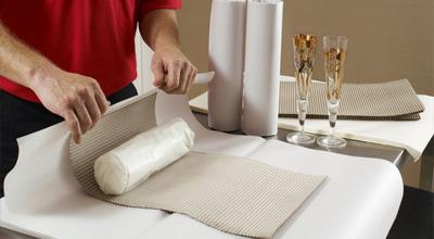 Nakliyatta en önemli noktalardan biri ambalaj konusudur, Ambalaj kâğıdı, havalı naylon, streç film ve karton koli gibi malzemeler kullanılır.